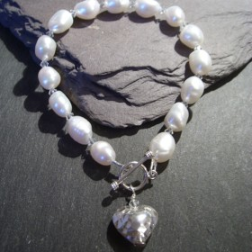 sarah-anderson-white-pearl-and-crystal-bracelet-with-heart
